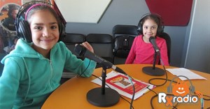 Yusrah and Naseerah Du Toit in the RX Radio studio.