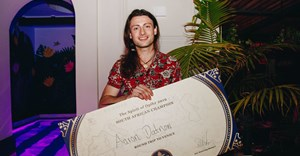 Marble Restaurant's Aaron Datnow wins SA round of 2019 Opihr Cocktail competition