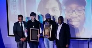 Standard Bank Sikuvile 2019 journalist and SA story of the year winners, Dewald Van Rensburg and Sipho Masondo of City Press.