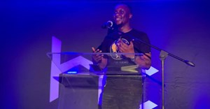 Mo Flava up on stage at Heavy Chef and Discovery Business Insurance's Inspire Sessions event. ©