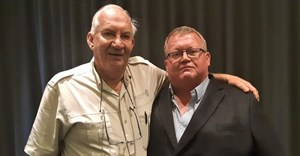 Dr Faffa Malan, general manager of RuVASA, the Ruminant Veterinary Association of South Africa, and Andries Wiese, head of Hollard Insure's Agri Centre of Excellence.