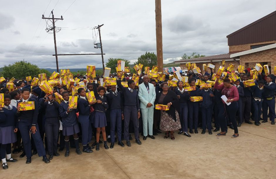 Grade 8–11 learners at the Bhekinthuthuko Secondary School, along with their educators, were thrilled to receive the donation of a brand-new pair of school shoes. The donation, sponsored and co-ordinated by Sumitomo Rubber South Africa and the company's suppliers, will see 1,670 school children from two high schools in the Ladysmith area, attend school with pride next year.