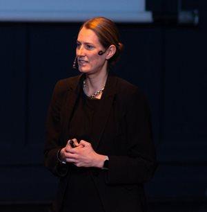 Regine Le Roux of Reputation Matters, presenting at PR2020.