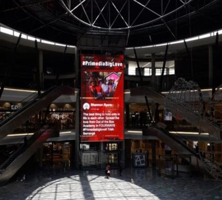 Primedia Outdoor celebrates love with the biggest ever Valentine's card
