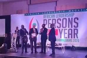 Prof. Karodia receiving the International African Leadership Person of the Year Award – Educational Development