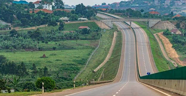 The Kampala-Entebbe expressway.<br>Andi111/Shutterstock.com