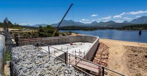 Aurecon designs 'duckbill' spillway while raising Garden Route Dam