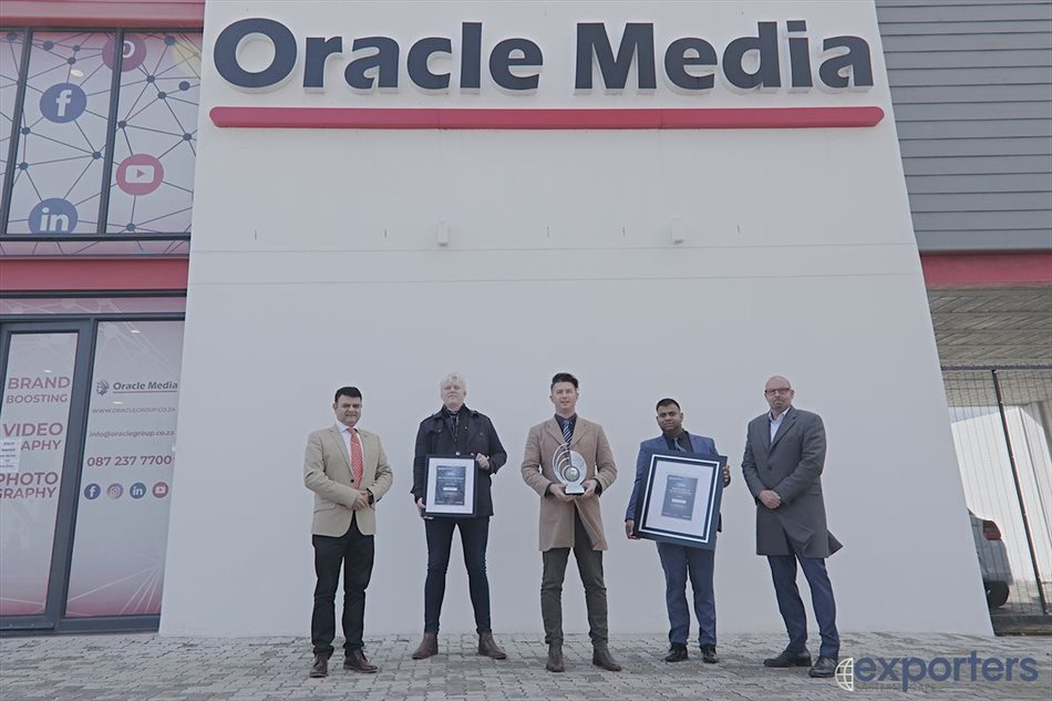 Oracle Media wins 2 awards at the Exporters EC Awards 2020 event