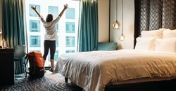 6 ways hotels can show customers love