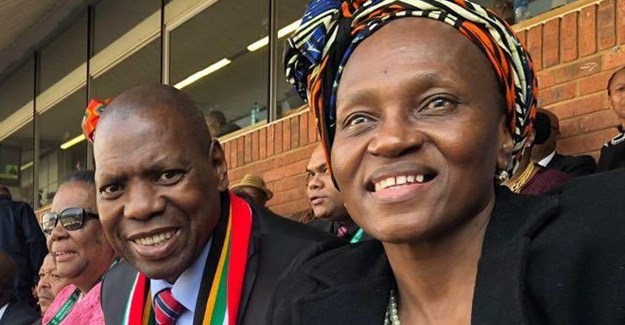 Dr Zweli Mkhize and his wife, May. Image: Twitter
