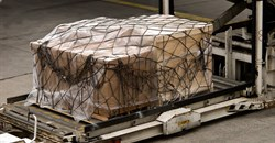 Global air cargo demand drops by 10.6% in 2020