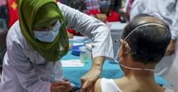 Many countries around the world, like Bangladesh, have started Covid-19 vaccination. Kazi Salahuddin Razu/NurPhoto via Getty Images