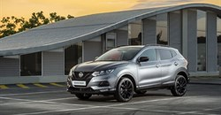 Between cows and cornfields in the Nissan Qashqai Midnight Edition