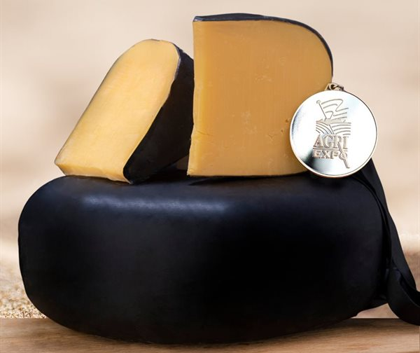Record triumph for Woolworths Mature Gouda at SA Dairy Awards