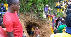 Rescuers work in Kamituga, South Kivu, at the entrance of one of the mines which collapsed following torrential rains trapping dozens of artisanal miners in September 2020. Photo by Stringer/AFP via Getty Images