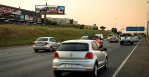First hybrid billboard in SA - offering the omni-presence of static and the flexibility of digital billboards