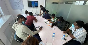 Startup teaches young Nigerians to code on smartphones