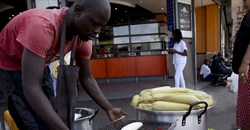 Soaring maize prices squeeze South African consumers, stoke inflation