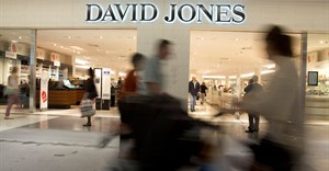 Shoppers are pictured at a David Jones department store in Sydney, June 20, 2014. Reuters/Jason Reed/File Photo