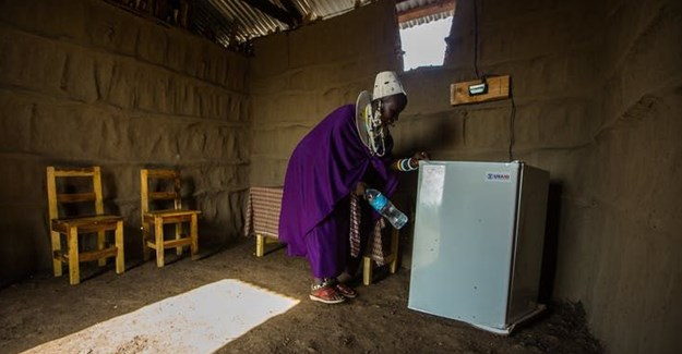 Electricity is vital for improving the quality of life of many in rural sub-Saharan Africa.<br>Source: USAID_images/Flickr
