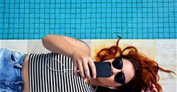 Pool renting app thrives in Spain's hot summer