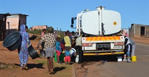 People are lining the streets with buckets in Nelson Mandela Bay as taps run dry