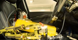 Ford recruits robot drivers for testing