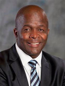 Minister Mondli Gungubele