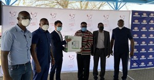 Engen provides oxygen tanks to assist truck drivers in the fight against Covid