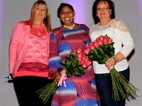During the course of the evening Noelene Kotschan presented flowers to two avid PinkDrive supporters, Deputy Minister of Social Development, Hendrietta Bogopane-Zulu and Alma Burger.