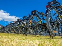 Qhubeka hands over bikes in Paarl