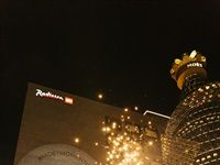 Moët & Chandon lights its golden tree at the V&A
