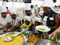 Spur Secret Tribe Chief Cook event contestants selecting ingredients for their Mzansi-inspired salads